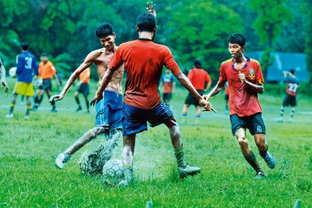 essay on football in hindi